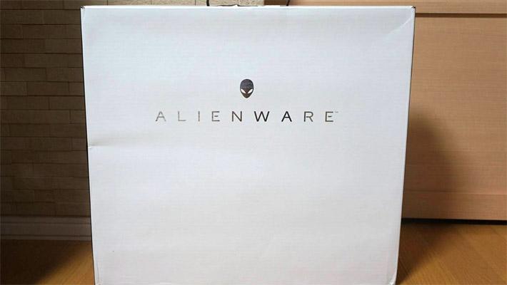 「ALIENWAREシリーズ」は、さすが高級機種だけあって、パソコンの梱包がしっかりとしています