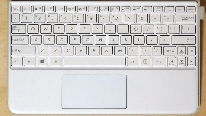 英語キーボードは、配列に少々違い(特に記号)がありますが、慣れれば問題ないかと。。。