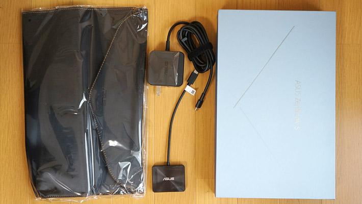 ・パソコン本体 ・ACアダプター(USB Type-C) ・ASUS ミニ ドック ・専用スリーブ(ケース) ・製品マニュアル ・製品保証書